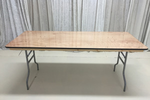 6 ft long table